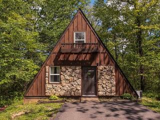 A-Frame #16 | Hocking Hills, Logan