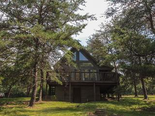 Romantic Private Cabin Rental, Logan