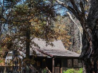 Laurelwood | Hocking Hills