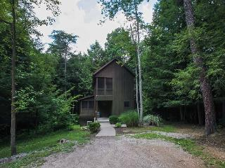 Hocking Hills Romantic Cabin For 2, Logan