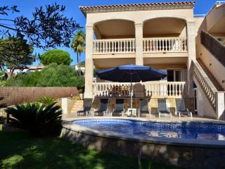 Fantastic townhouse with private pool in Alcanada, Alcudia