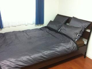 Very comfortable double bed (140 cm)