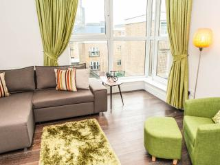 Old Street / Barbican Spacious Family Holiday Apt., London