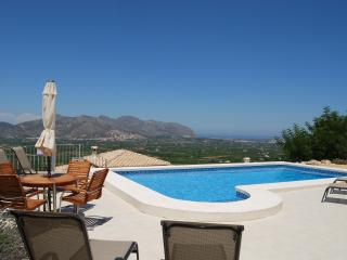 Vista Mar - Sleeps 6, Sea Views
