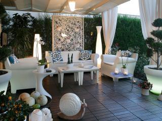 Super-Lux Elegant Villa in Pefkohori