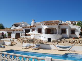 Villa Cariad, Sleeps 6, Beautiful Views, Jalon