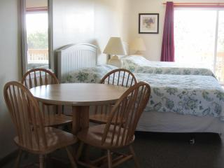 UNIT 25 - Deluxe, North Truro