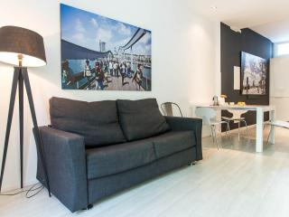 Design apartment behind Cathedral monthly stays, Barcelona