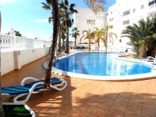 First Floor Air-Con Heated Pool Close to Beach