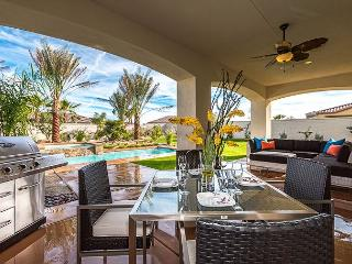 'Prestige' Private Pool With Tanning Shelf & Patio, Indio
