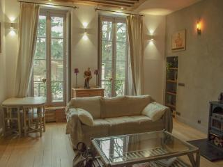 One bedroom Duplex by the Botanical Garden