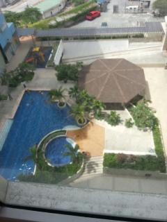 1 BR. RIDGEWOOD TOWER 3. 10. min walk from BGC, Taguig City
