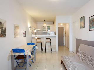 Lovely apartement located close to the beach, Antibes