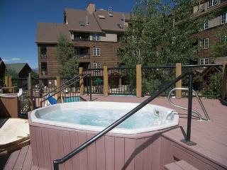 Hot Tub for Arapahoe Lodge