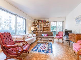Sunny apartment 14th Montparnasse, Paris