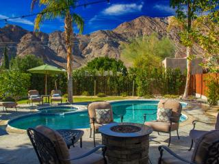CASA MADERO | LUXURY 3BD/2BA, SLEEPS 8, MOUNTAIN VIEW, POOL/SPA, GATED, IN COVE