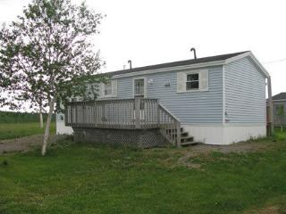 Cozy Single Bedroom Trailer, Mabou