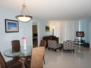 OCEANFRONT ON THE BEACH  2/2 BDR ON THE 4TH FL, Hollywood