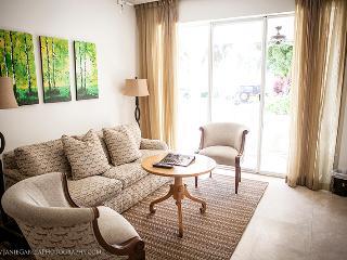 Charming 1 Bedroom Oceanfront Villa in Fisher Island, Miami