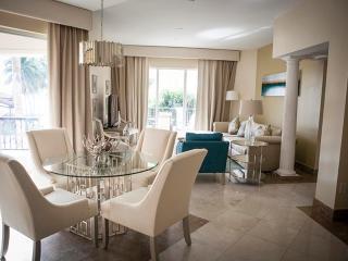 Refined 2 Bedroom Ocean View Villa in Fisher Island, Miami