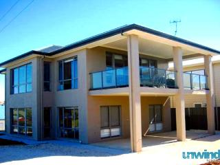 SA Holiday House: 'Beaumont House' - Coast Views - Port Elliot, Baytown