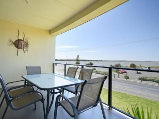 SA Holiday House: 'Amble Inn' - Goolwa River Front
