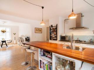 Bright and modern Copenhagen apartment near Bopa Square