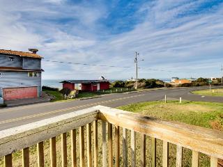 Dog-friendly home w/ ocean views, entertainment & easy beach access!, Yachats