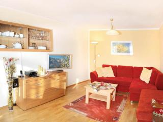 LLAG Luxury Vacation Apartment in Ruhpolding - 972 sqft, centrally located, quiet, 5 stars (# 3204)