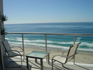 Air on Broadbeach Oceanfront Apartment