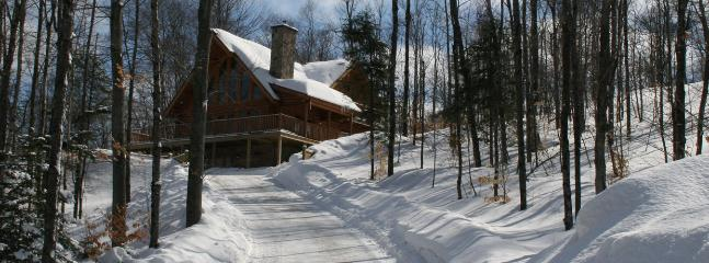 40Blueberry Lake Papineau Chalet, Labelle