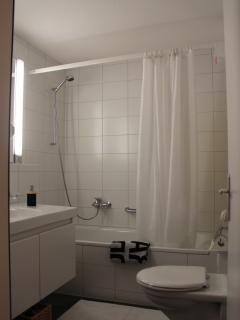 Bathroom 1 with bath tub/shower
