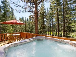 Stunning Tahoe Donner 4 BR w/ Hot Tub - Only $450/nt