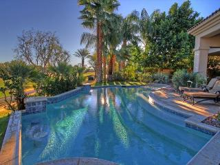 Beautifully remodeled Golf Course Home with Private Resort Pool