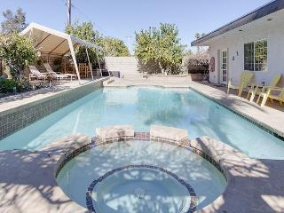 3BR/2.5BA Gorgeous House with Pool & Hot Tub, Cathedral City, Sleeps 7