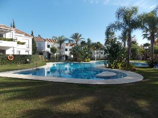 FANTASTIC APARTMENT NEAR PUERTO BANUS, Puerto Jose Banus