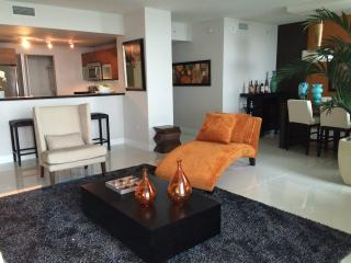 Marvelous Apt. 2 bedrs 2.5 bathrooms Amazing Views, Miami