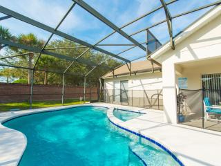 South Facing Pool/Private at Rear/WiFi/Games Room