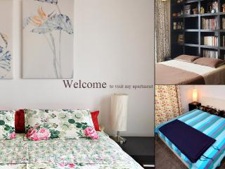 Welcome to visit. The apartment have 3 bedrooms and 3 bathrooms