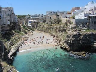 "Polignano a mare, ""White Flowers"" house"