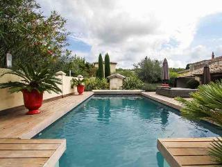 Charming Provencal Country House, Fontvieille