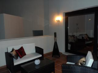 Apartment with rooftop terrace in Estepona