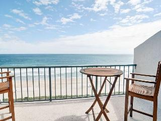 Station One - 8F Hartsook-Oceanfront condo with community pool, tennis, beach, Wrightsville Beach