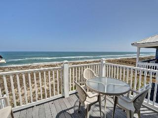 Cyn's Delight -  Chill out and unwind at this comfortable oceanfront condo, Carolina Beach
