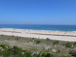 Station One - 4E Coulter-Oceanfront condo with community pool, tennis, beach, Wrightsville Beach