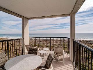 DR 1405 - Beautiful oceanfront condo with tennis, pool and easy beach access, Wrightsville Beach