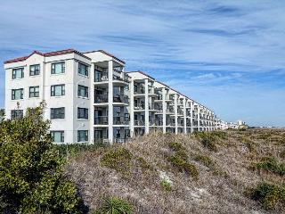 DR 2111 - Gorgeous condo, oceanfront deck with panoramic views, pool, tennis, Wrightsville Beach