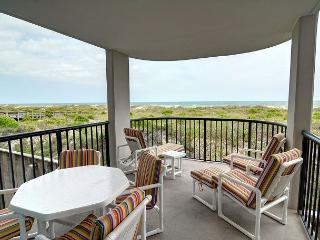 DR 2111 - Gorgeous condo, oceanfront deck with panoramic views, pool, tennis