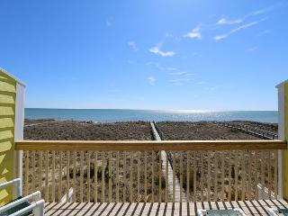 Cedars #3 - 3 Bedroom Oceanfront Townhouse, easy beach access, amazing views, Carolina Beach