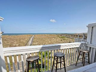 Cedars #4 - 3 Bedroom Oceanfront Townhouse, easy beach access,amazing views, Carolina Beach